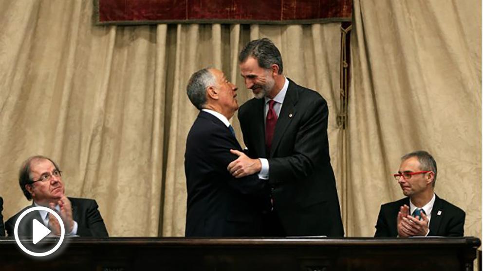 El presidente portugués, Marcelo Rebelo de Sousa y el Rey Felipe VI en la Universidad de Salamanca. (EFE)