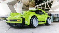 El 70 aniversario de la marca es la razón por la que se ha creado un Porsche 911 de Lego a tamaño real que será expuesto en el museo de Stuttgart.