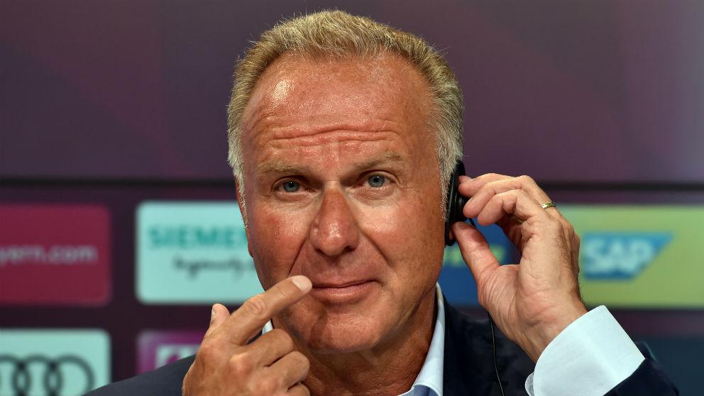 Karl-Heinz Rummenigge en una rueda de prensa. (AFP)