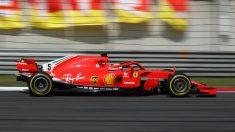 Ferrari hace tiempo que ha decidido que Sebastian Vettel sea su piloto número uno, algo que no se ve especialmente con buenos ojos desde diferentes sectores de la prensa italiana. (Getty)