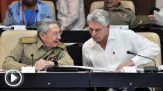 Miguel Díaz-Canel, presidente de Cuba, y Raúl Castro. (Foto: AFP)