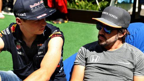 Jos Verstappen, el padre del piloto de Red Bull, cree que la prensa trata de maximizar los errores de su hijo cuando, a su juicio, hay maniobras de otros pilotos como Fernando Alonso que son igualmente censurables. (getty)