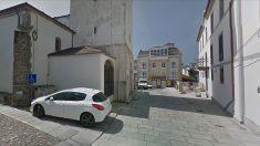 Iglesia de Castropol (Asturias), pueblo del que es originaria la familia del dictador cubano Miguel Díaz-Canel.