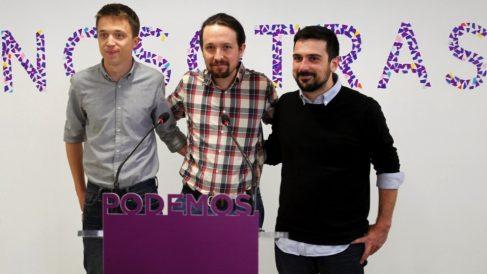 Errejón, Iglesias y Espinar bajo el lema 'Nosotras'. (Foto. EFE)