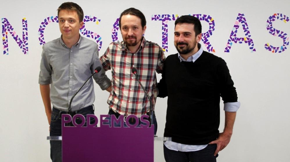 Polémica imagen de Errejón, Iglesias y Espinar bajo el lema 'Nosotras'. (Foto. EFE)
