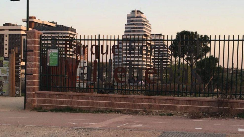 Nuevas letras a la entrada del parque. (Foto. OKDIARIO)