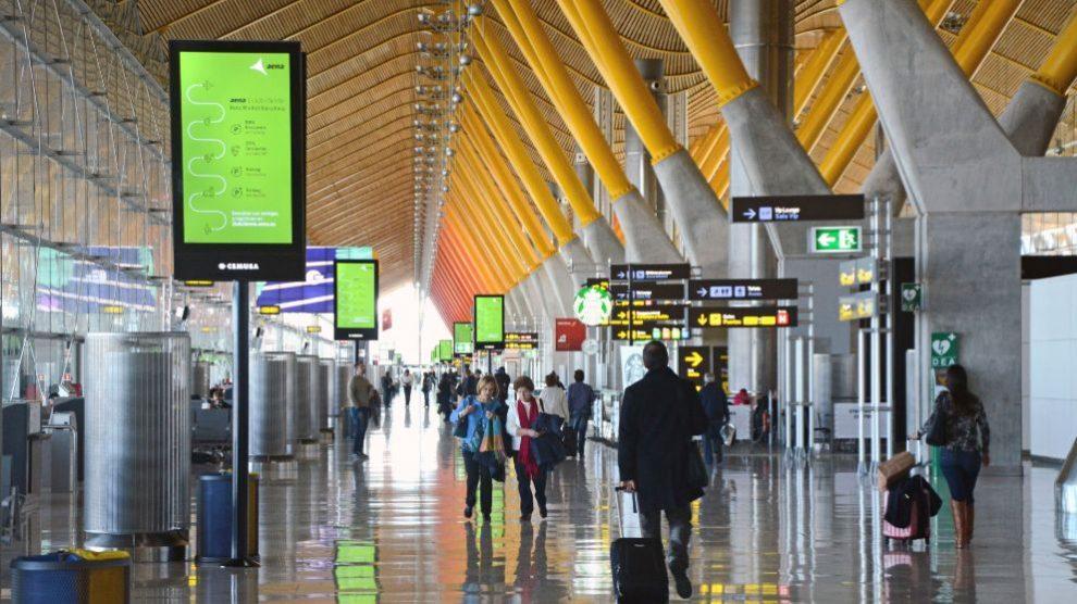 Barajas, el Prat y el aeropuerto de Palma se sitúan entre los 10 de la UE con una mayor caída de vuelos