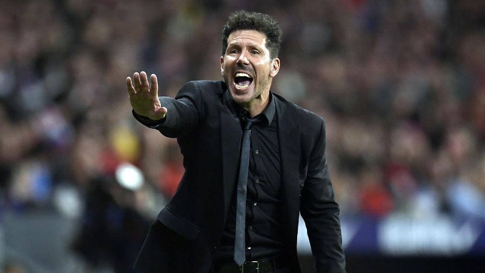 El Cholo Simeone durante el Atlético – Betis. (AFP)