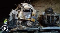 Vuelco de un camión en la M-50 (Foto: Francisco Toledo).