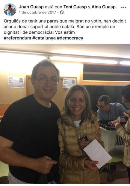 El profesor separatista en el 1-O (Foto:Facebook)