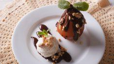 Receta de peras al horno con chocolate y nata paso a paso
