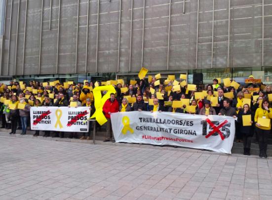 Concentraciones de funcionarios separatistas ante la Generalitat de Gerona