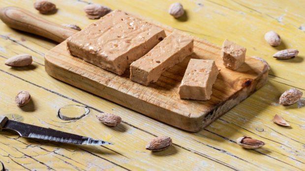 El pastel de turrón más fácil del mundo, con 3 ingredientes y sin horno