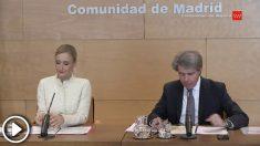 La presidenta de la Comunidad de Madrid, Cristina Cifuentes, en rueda de prensa, este martes.