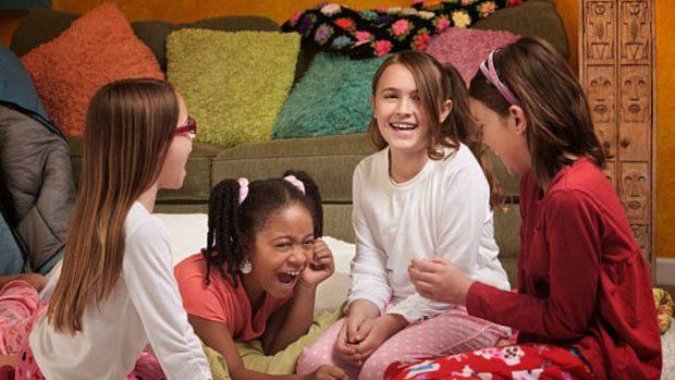 C mo hacer una fiesta de pijamas en casa muy divertida - Pasos a seguir para echar a tu hijo de casa ...