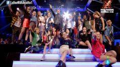 David Bisbal cantó junto a los talents ayer en 'La Voz Kids 4'. (Foto: Telecinco)