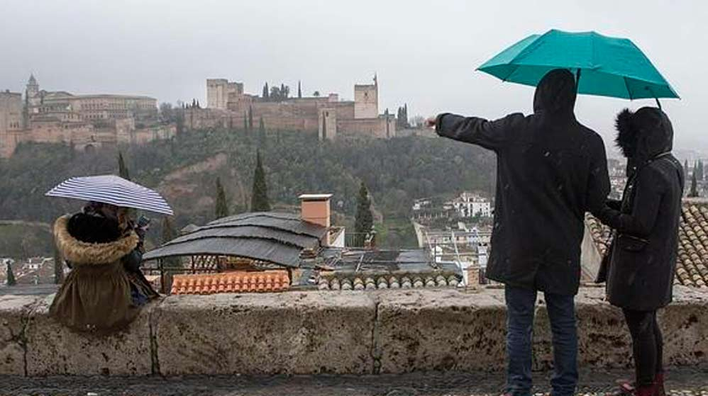 Granada se tiñe de marrón en estos días a causa de las precipitaciones