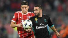 James Rodríguez pelea por un balón con Carvajal. (AFP)