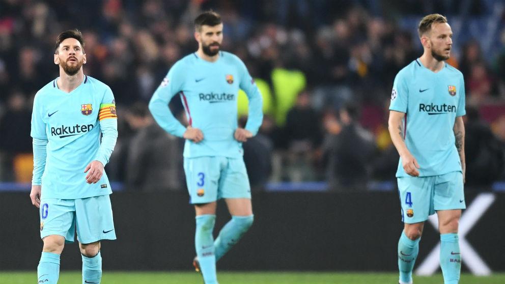 Los jugadores del Barça, cabizbajos tras el tercer gol de la Roma en la Champions League. (Getty)