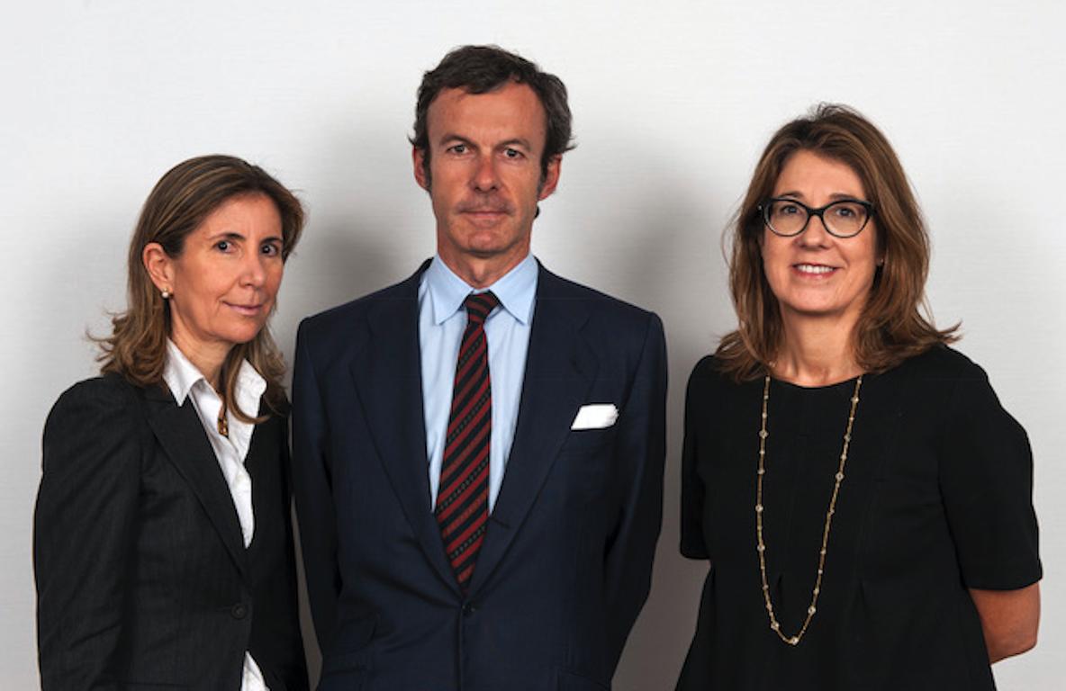 Cristina Álvarez Álvarez, María Jesús de Jaén Beltrá y Joaquín Güell Ampuero