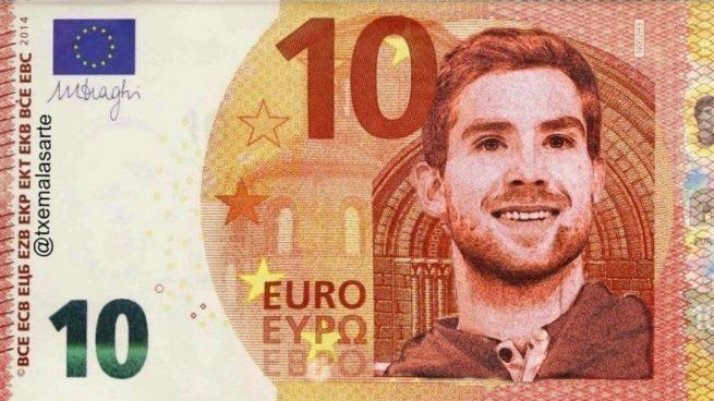 Aficionados de la Real preparan billetes con la cara de Iñigo Martínez