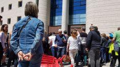 Protestas frente al Palacio de Justicia de Navarra durante la lectura de la sentencia de 'La Manada'.
