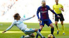 Iniesta, en el Clásico disputado en el Bernabéu en 2017. (Getty)