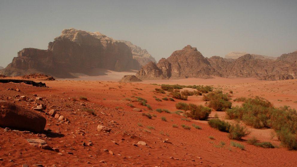 Descubre aquí lugares, rutas, planes y dónde comer en Wadi Rum (Jordania).