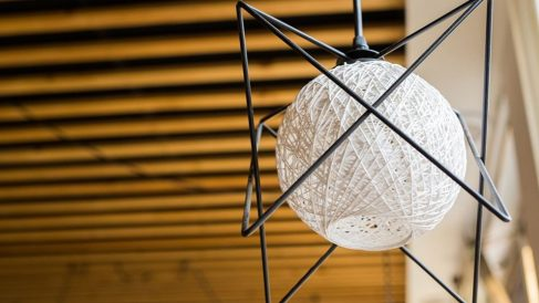 Todos los pasos para hacer una lámpara con cuerdas de manera fácil