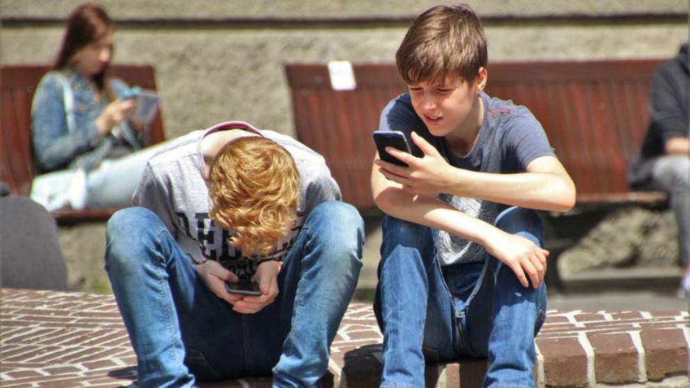 Los niños usan menos las redes sociales que las niñas