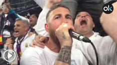 Así cantó Sergio Ramos con la grada del Bernabéu al final del partido. (vídeo: Enrique Falcón)