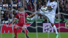 El Bayern de Múnich reclamó penalti por mano de Marcelo. | Real Madrid – Bayern