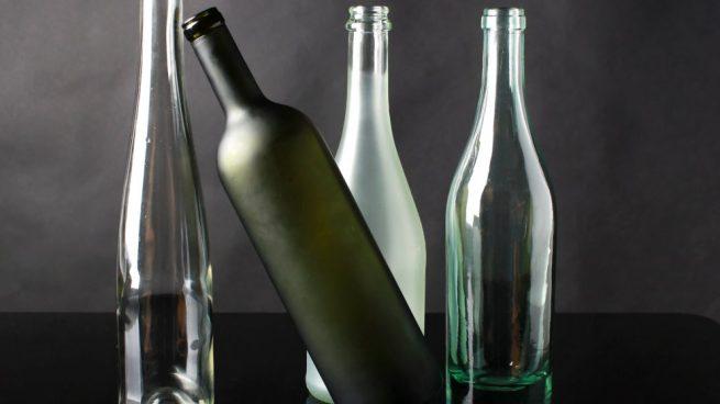 Cómo hacer maceteros con botellas de vino recicladas