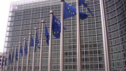 Banderas en la CE (Foto. Getty)