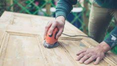 Todos los pasos para decapar un mueble de madera