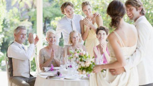 Guía fácil para vestir en una boda en verano