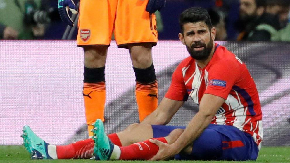Diego Costa pidió el cambio en el partido contra el Arsenal. (EFE)