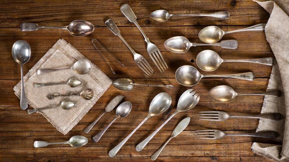 Pasos para limpiar la plata con distintos trucos