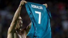 Cristiano Ronaldo celebra un gol en el Camp Nou. (AFP)