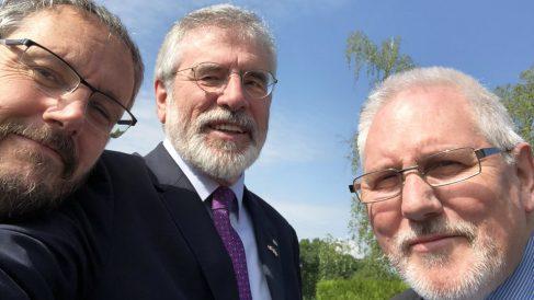 Gerry Adams, exlíder del IRA. (Foto: @GerryAdamsSF)