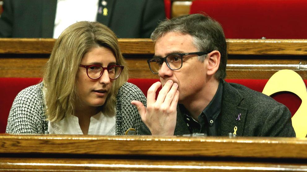 Elsa Artadi (JxCat), junto Josep Maria Jové (ERC), durante el pleno del Parlament de Cataluña (Foto: Efe)