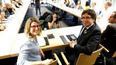 Elsa Artadi y Carles Puigdemont en la reunión de este sábado en Berlín (Foto: AFP).