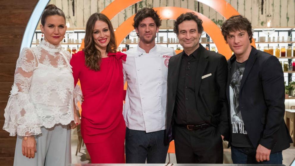 Miembros del jurado de 'Masterchef 6' con Jorge