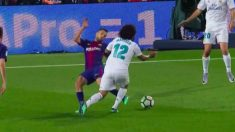 Jordi Alba cometió un penalti clarísimo sobre Marcelo.