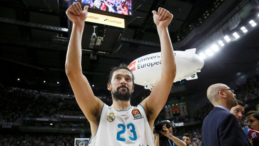 Sergio Llull celebra la victoria del Madrid. (EFE)