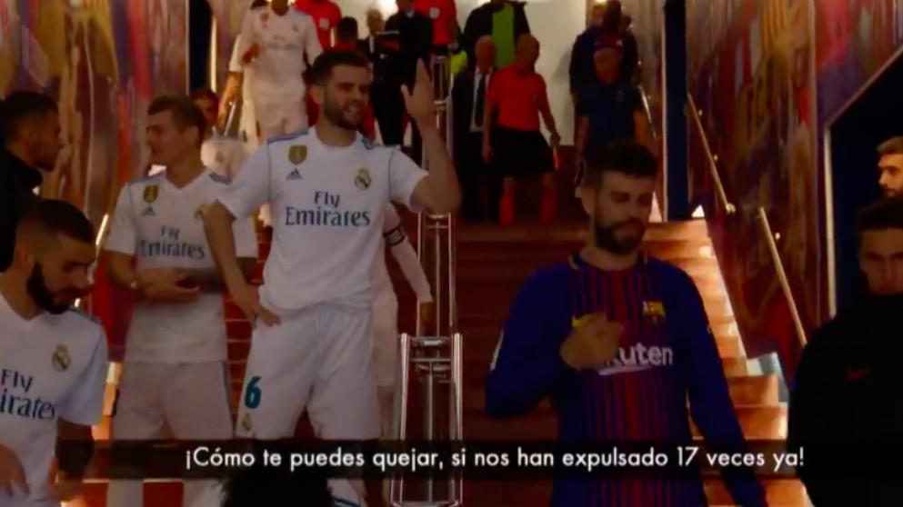 Nacho y Piqué, en plena discusión.