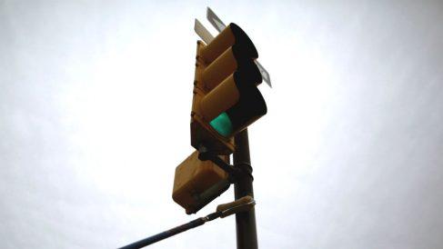 Los semáforos chinos contarán con un sistema capaz de echar agua a las personas que tengan intención de cruzar la carretera cuando no les corresponde.
