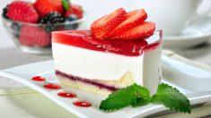 Receta de tarta de queso con fresas light fácil de preparar