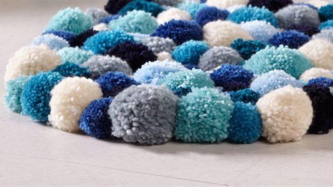 94b34c23188 Cómo hacer una alfombra de pompones paso a paso