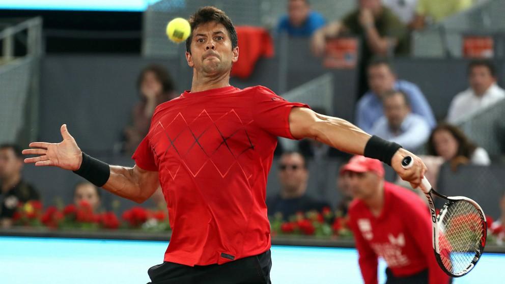 Verdasco golpea una derecha en el Mutua Madrid Open. (EFE)